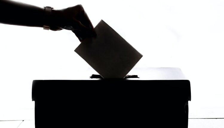 Zatvorena birališta u Srbiji