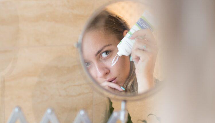 Skinućete 10 godina sa lica: Krema za podmlađivanje od 4 obična sastojka