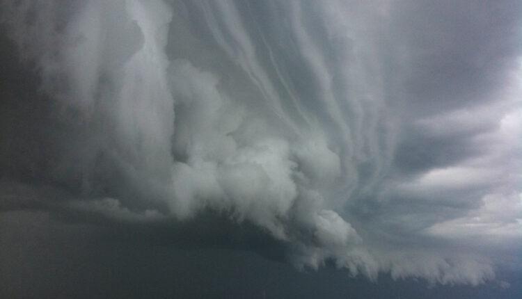 Upozorenje RHMZ na obilne padavine, jak vetar i grad