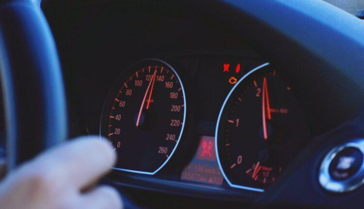 Koliko dugo možete voziti na rezervi? Evo kako tačno izračunati