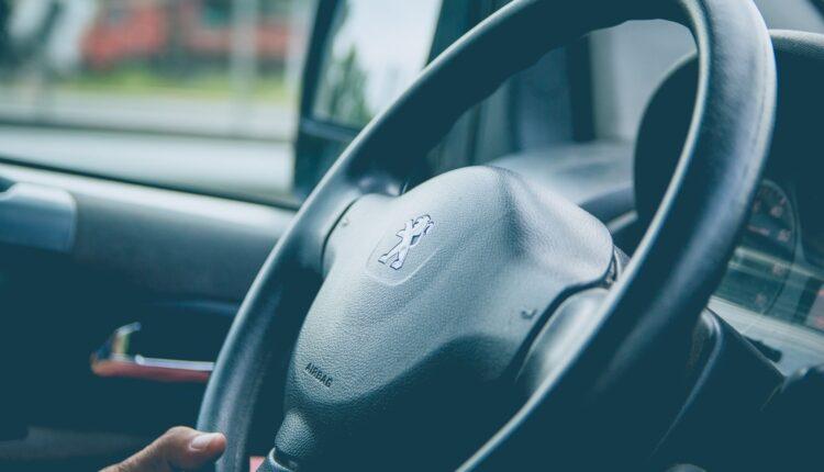 U Jagodini pretučena žena za volanom zbog nesporazuma u saobraćaju