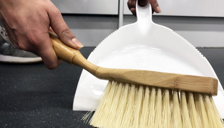 Zašto je žena i dalje domaćica i čistačica iako zarađuje novac?