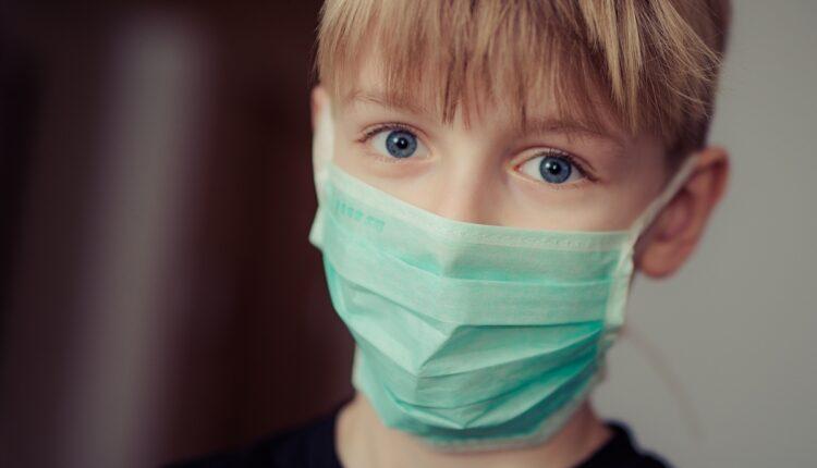 """Ministar: """"Roditelji će obezbeđivati maske svojoj deci"""