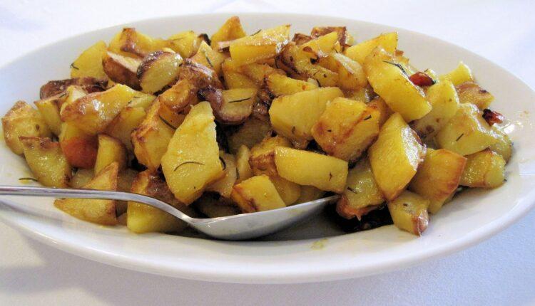 Ovako će vam pečeni krompir baš uvek ispasti hrskav i ukusan