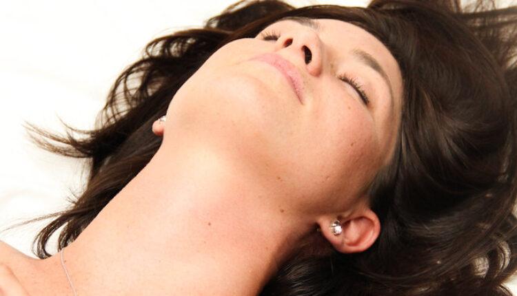 Muči vas masna kosa: Rešite se problema uz ove trikove