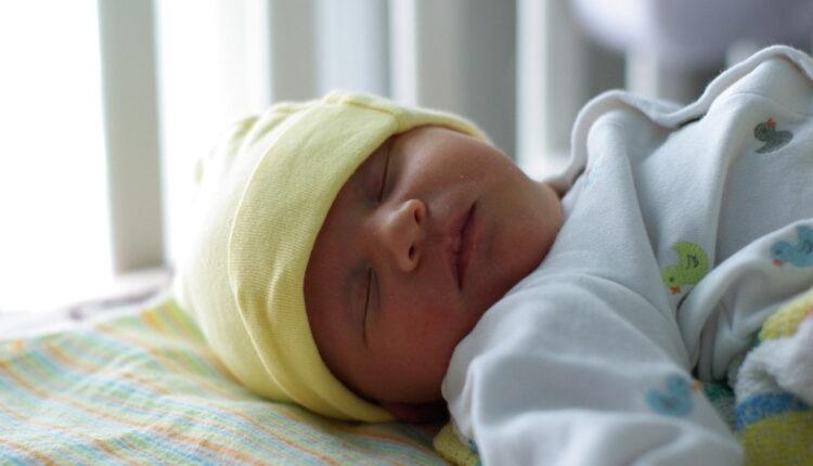 O čemu bebe sanjaju