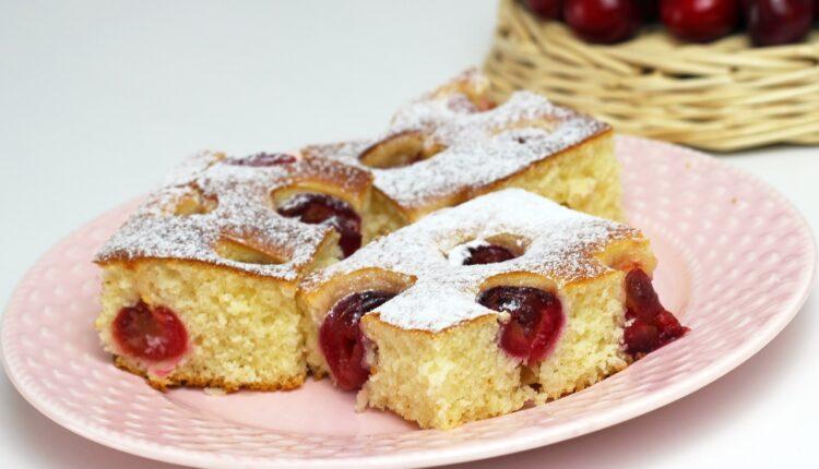 Miriše na detinjstvo: Starinski kolač s višnjama